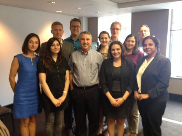2014 WPI journalists meet with columnist Thomas Friedman at the Washington bureau of the New York Times on September 3.